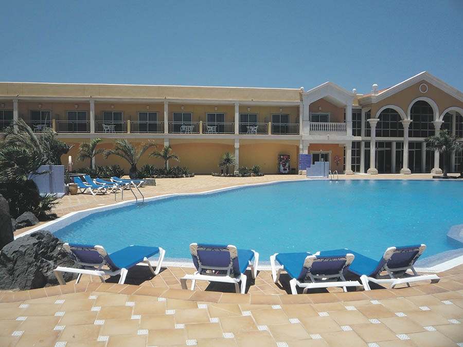 Stay at the Cotillo Beach Hotel, El Cotillo with Sunway