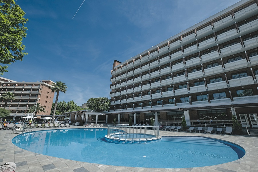 All Inclusive Sun Holidays to California Garden Hotel