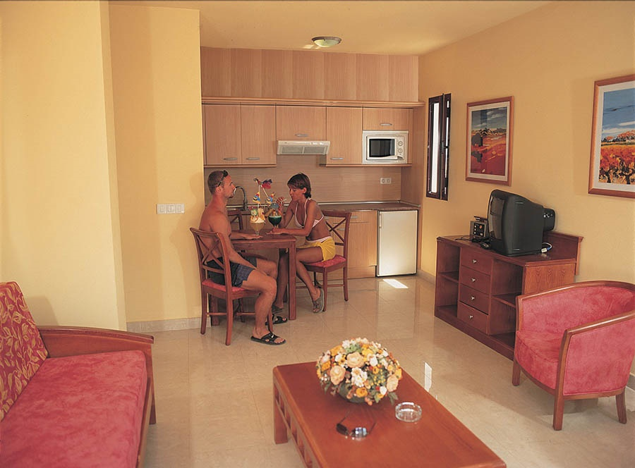 Book the Broncemar Beach Aparthotel, Caleta de Fuste - Sunway.ie