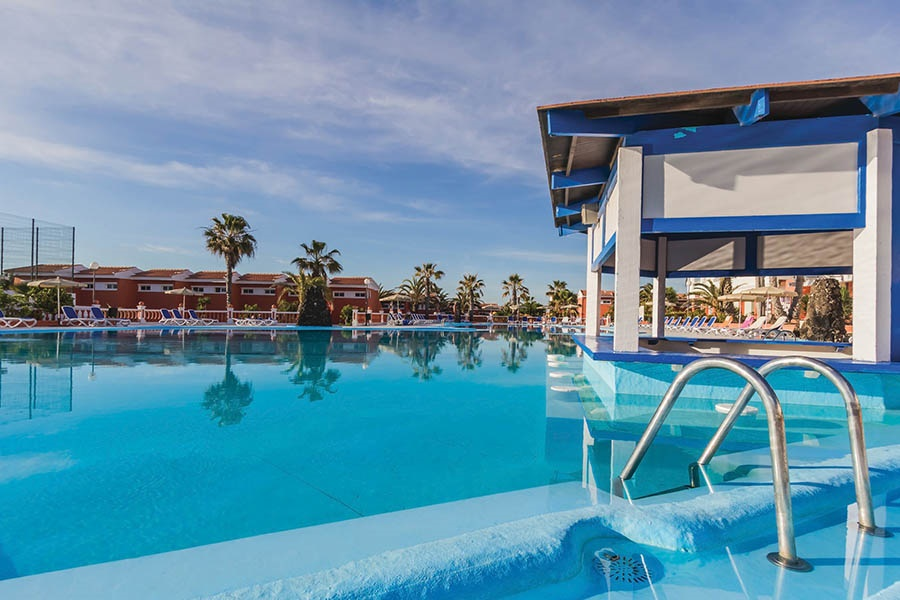 Stay at the Globales Costa Tropical Aparthotel, Caleta de Fuste with Sunway