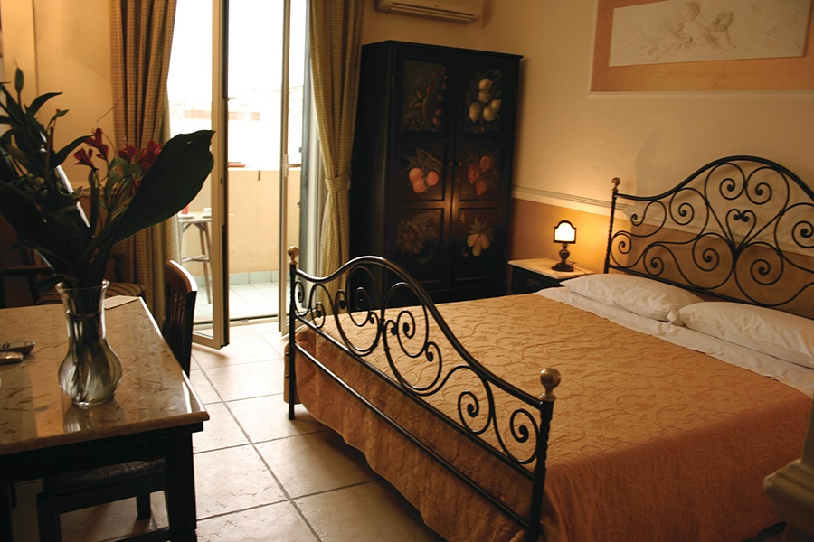 Stay at the Villa Linda Hotel, Giardini Naxos with Sunway