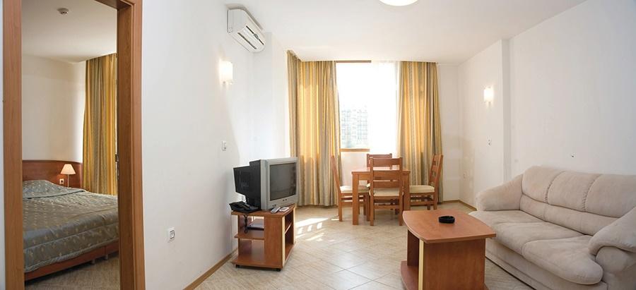 Stay at the Poseidon Apartments, Sunny Beach with Sunway