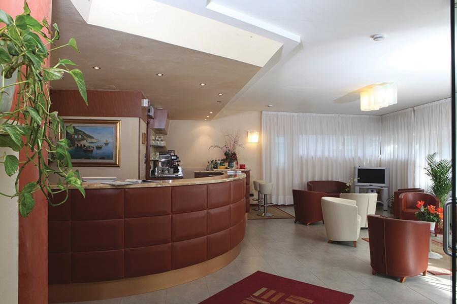 Book the Mavino Hotel, Sirmione - Sunway.ie