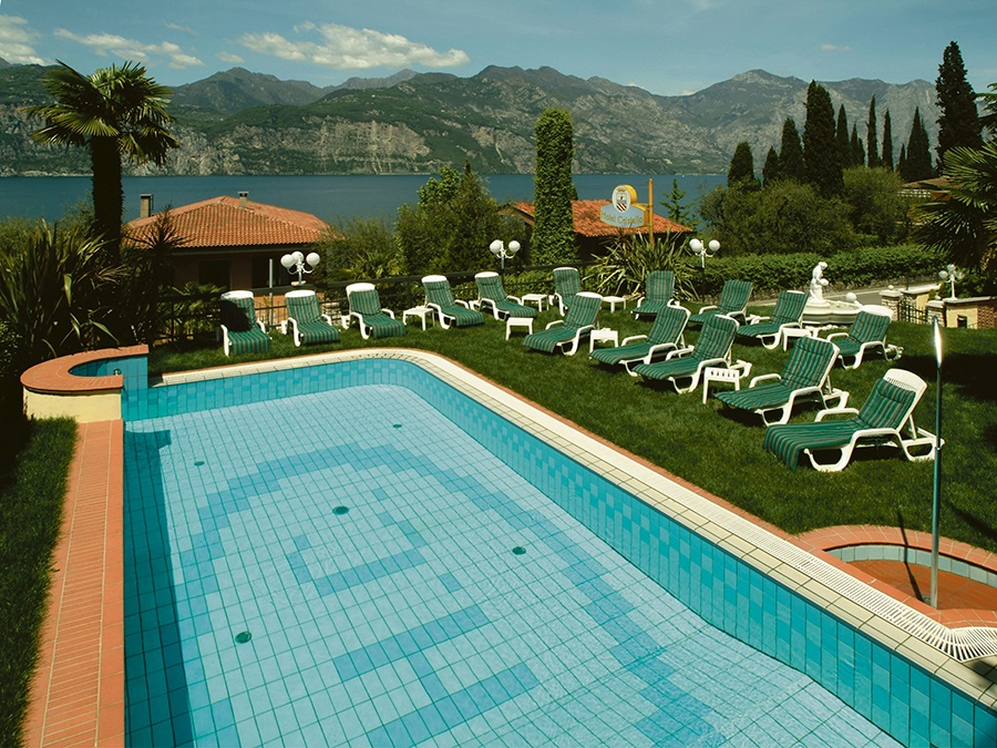 Stay at the Cristallo Hotel, Malcesine with Sunway