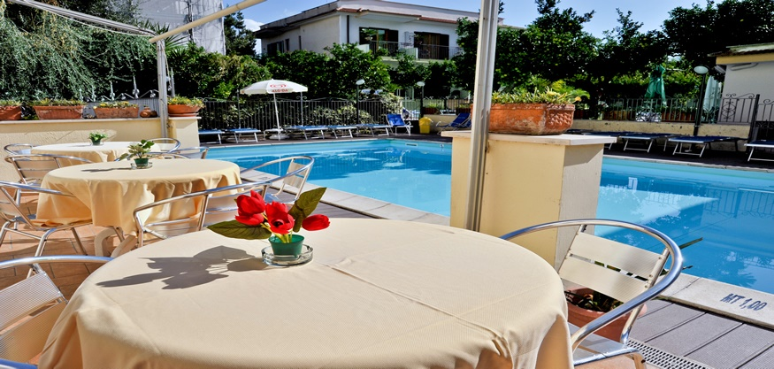 All Inclusive Sun Holidays to Londra Hotel