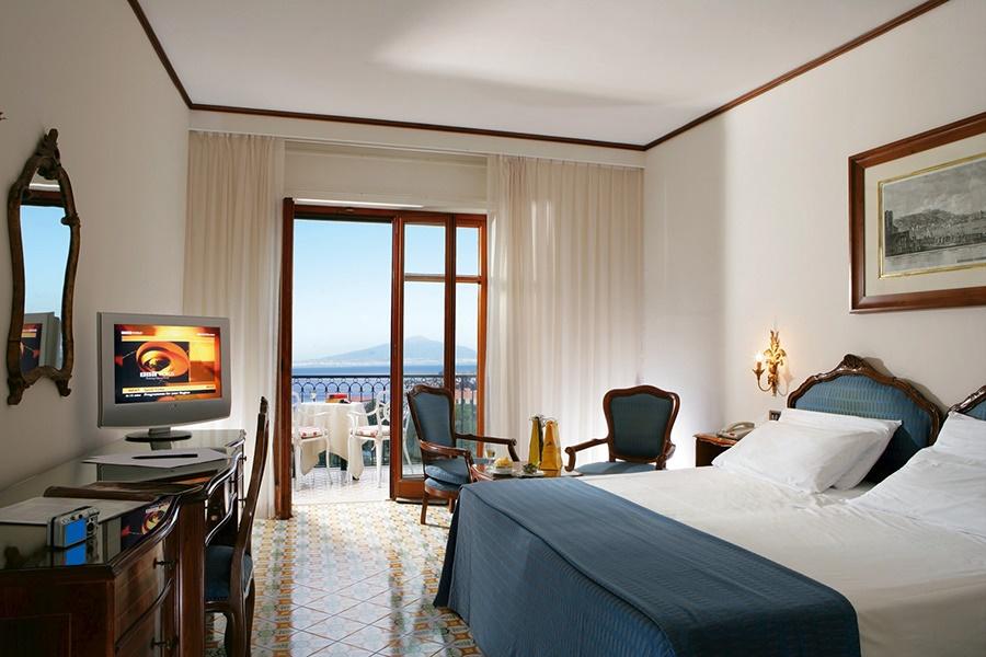 Book the Grand Hotel Capodimonte, Sorrento - Sunway.ie