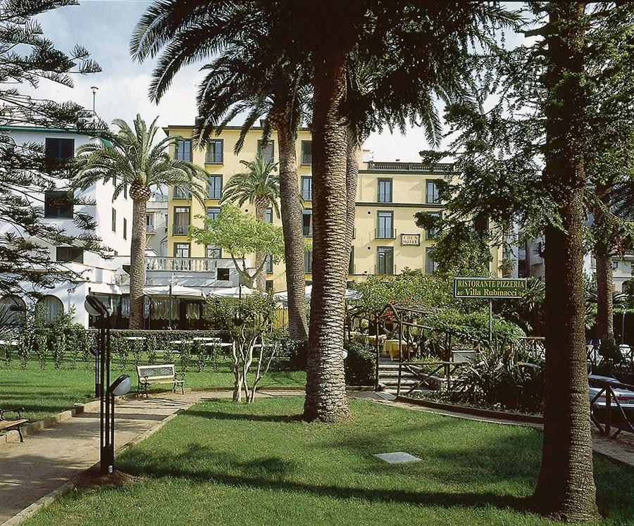 Book the Eden Hotel, Sorrento - Sunway.ie