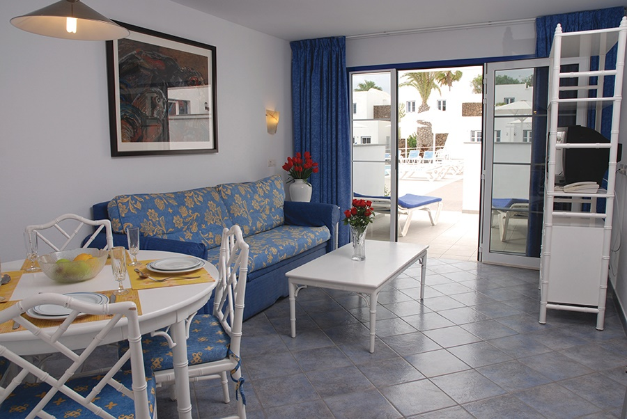Stay at the Nautilus Lanzarote Apartments, Matagorda with Sunway