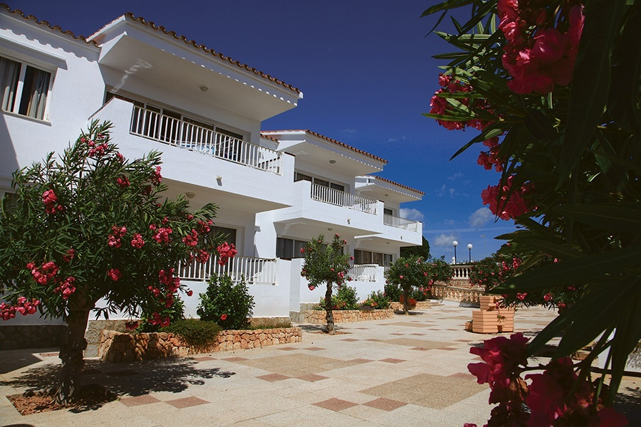 Stay at the Los Naranjos Apartments, S'Algar with Sunway