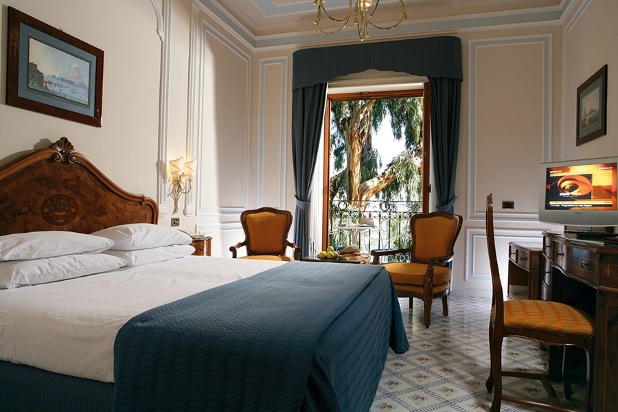 Stay at the Hotel Ambasciatori, Sorrento with Sunway