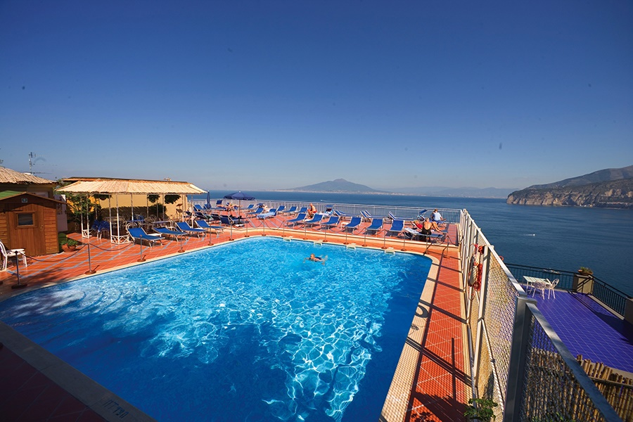 Stay at the Minerva Hotel, Sorrento with Sunway