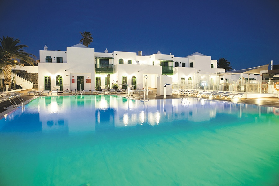 Book the Gloria Izaro Club Hotel, Puerto del Carmen - Sunway.ie
