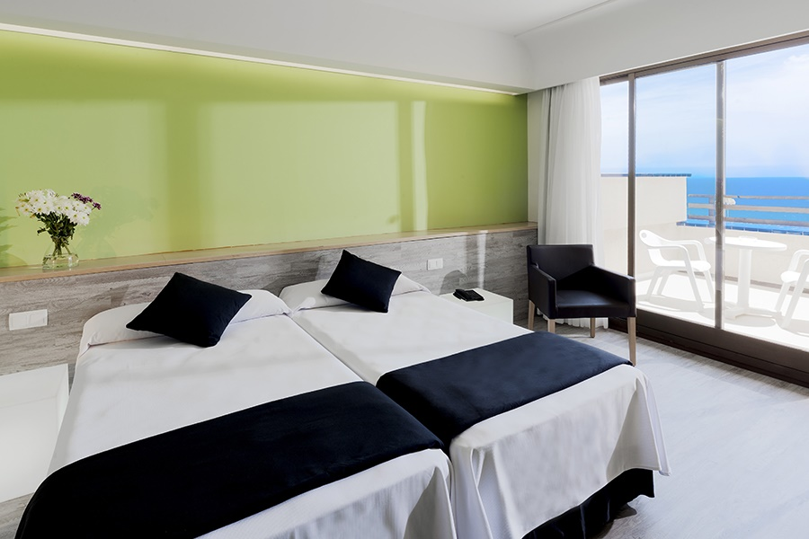 Book the Barcelo Occidental Lanzarote Playa Hotel, Costa Teguise - Sunway.ie