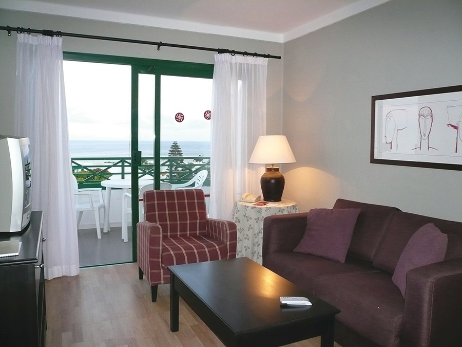 Book the HG Lomo Blanco Apartments, Puerto del Carmen - Sunway.ie