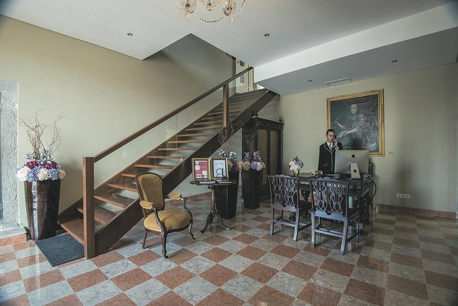 Book the Vile Gale Palacio dos Arcos Hotel, Paco De Arcos - Sunway.ie