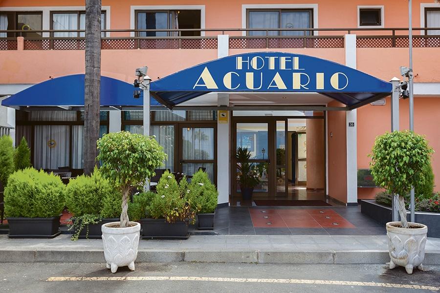 Stay at the Globales Acuario Hotel, Puerto de la Cruz with Sunway