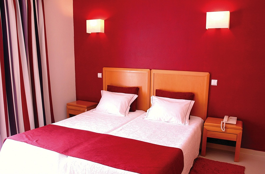 Stay at the Muthu Forte da Oura Aparthotel, Albufeira with Sunway