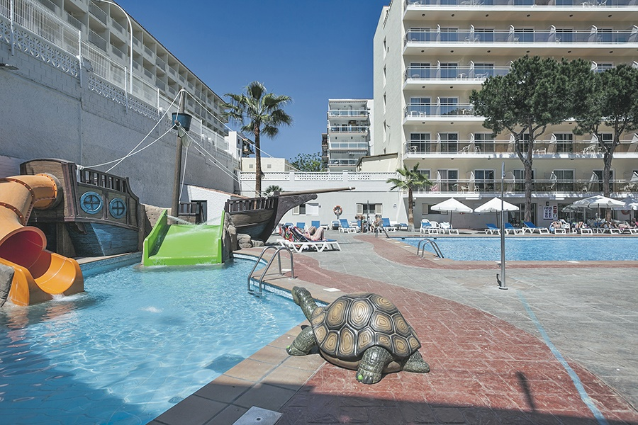All Inclusive Sun Holidays to Oasis Park Hotel