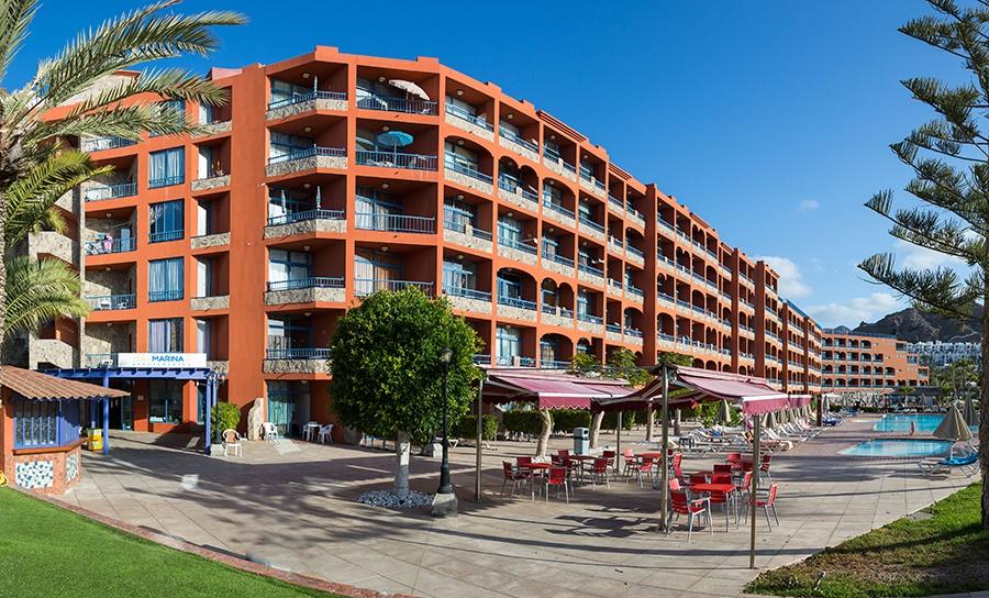 Stay at the Cura Marina 2 Apartments, Playa del Cura with Sunway