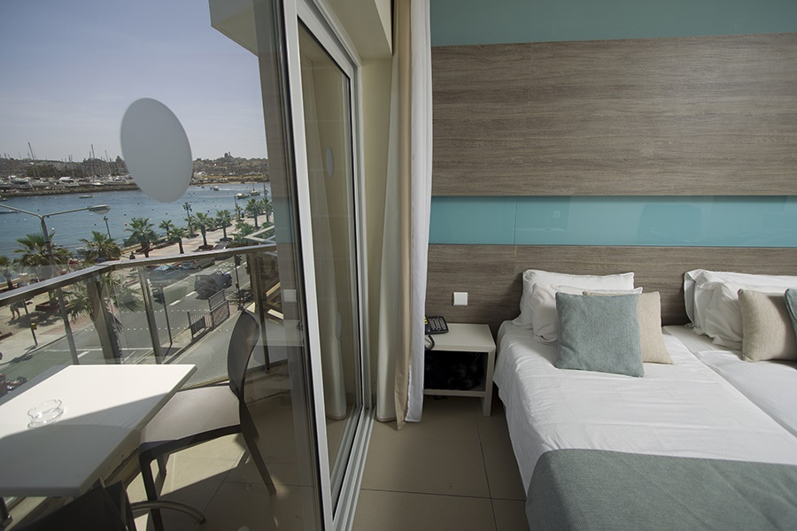All Inclusive Sun Holidays to 115 The Strand Hotel & Suites