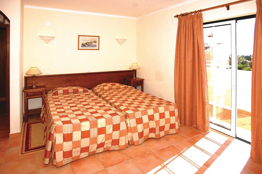 Stay at the Colina da Lapa Apartments & Villas, Carvoeiro with Sunway