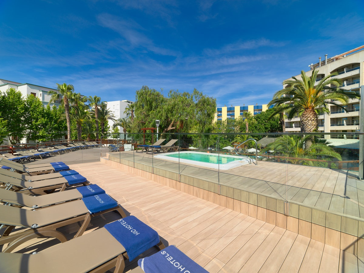 Stay at the H10 Salou Princess, Salou with Sunway