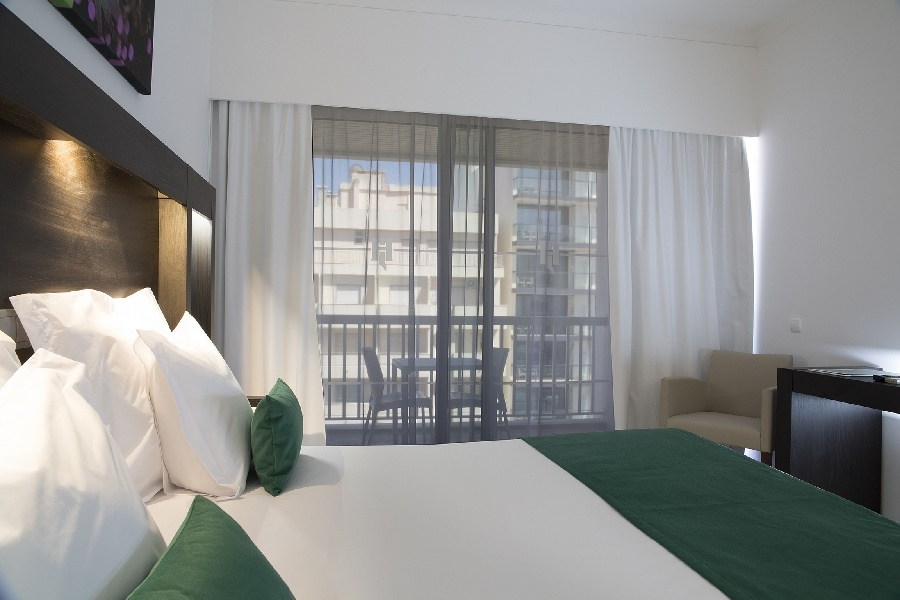 Book the Jupiter Hotel, Praia da Rocha - Sunway.ie