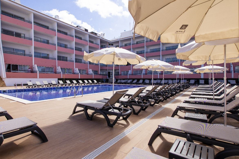 Book the Luna da Oura Apartments, Albufeira - Sunway.ie