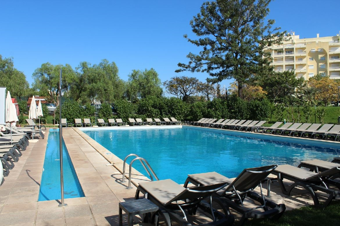 Stay at the Luna Olympus Vilamoura Apartments, Vilamoura with Sunway