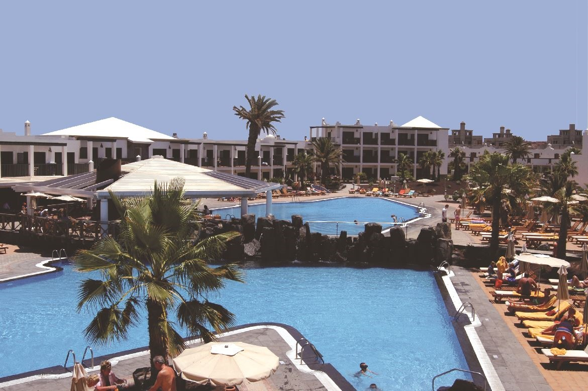 Stay at the Las Marismas Apartments, Corralejo with Sunway