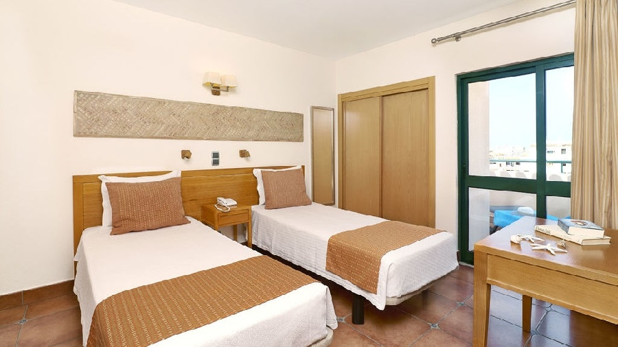 Stay at the Oceanus Aparthotel, Olhos d'Agua with Sunway