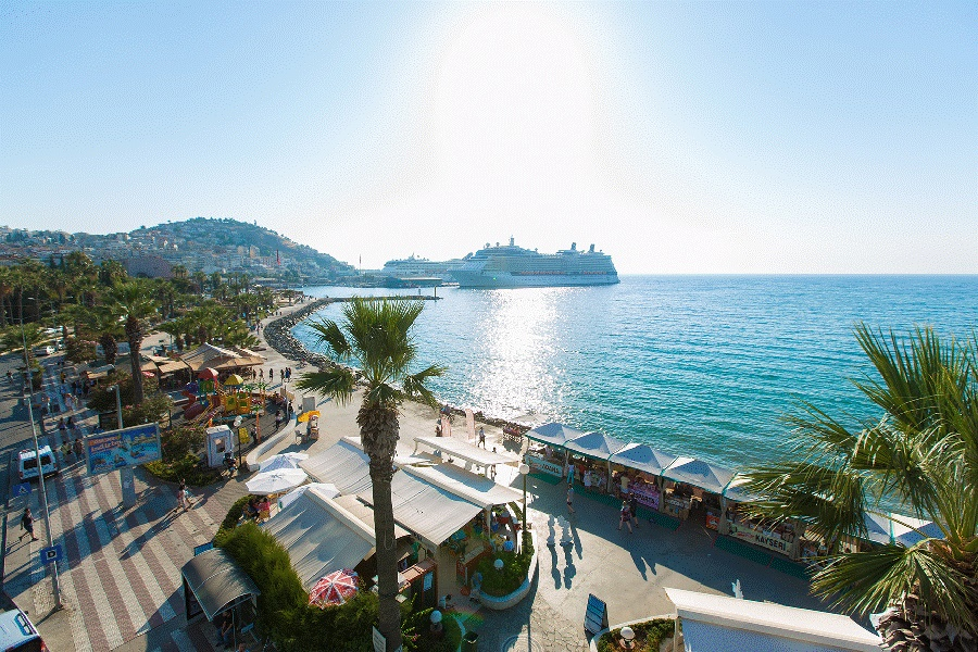 Stay at the Derici Hotel, Kusadasi with Sunway