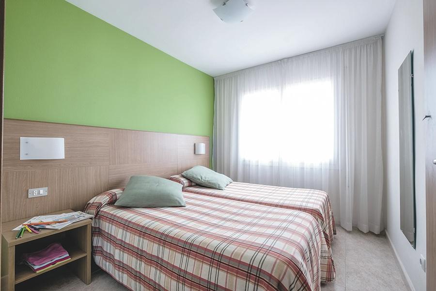 Stay at the Apartments California, Tarragona with Sunway