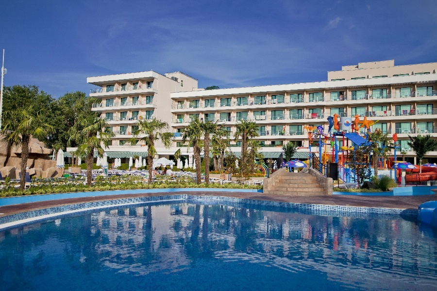 Stay at the DIT Evrika Beach Club Hotel, Sunny Beach with Sunway